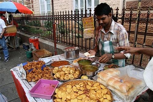 Food joints for college goers in Mumbai