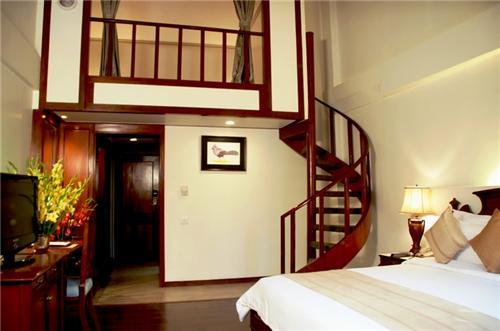 Manu Maharani Hotel Nainital Address