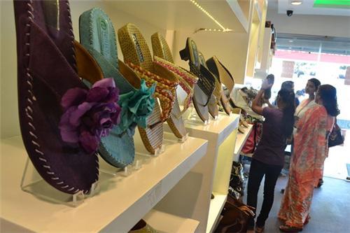 Shoe Shop in Nalanda