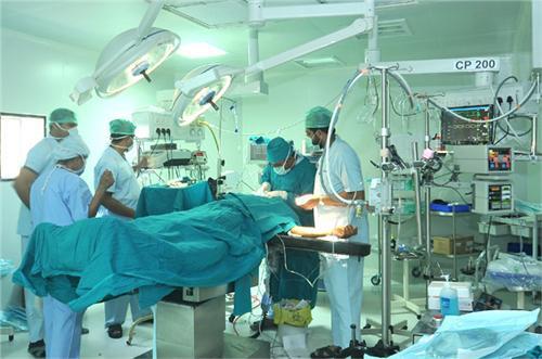 Hospitals in Palanpur