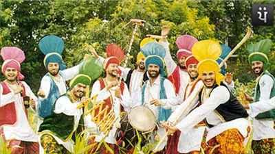 Bhangra Dancers of Pathankot