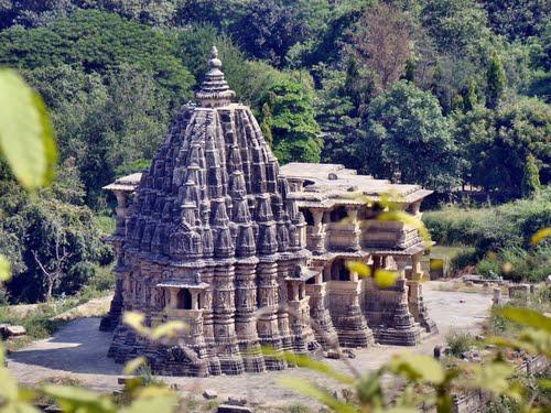 Places of attraction in and around Ghumli