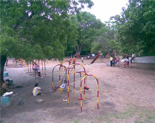 Facilities and amenities at Aji Dam Garden in Rajkot