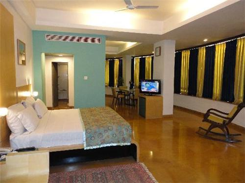Rooms and suites at Hotel Capitol Hill in Ranchi