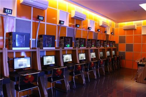 Cyber Cafes in Solan