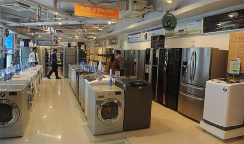 Electronic Stores in Solapur