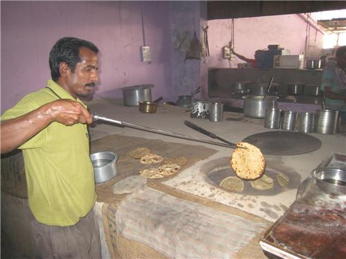 Tandoori stuffed paranthas in Murthal