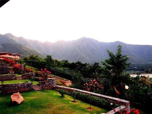 Around Dal View Resort in Srinagar