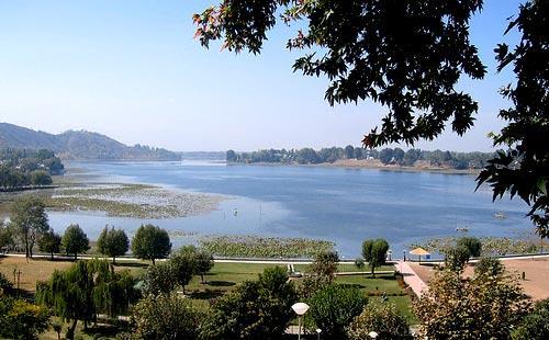 About Manasbal Lake in Srinagar