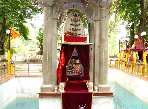 Kheer Bhawani Temple in Srinagar