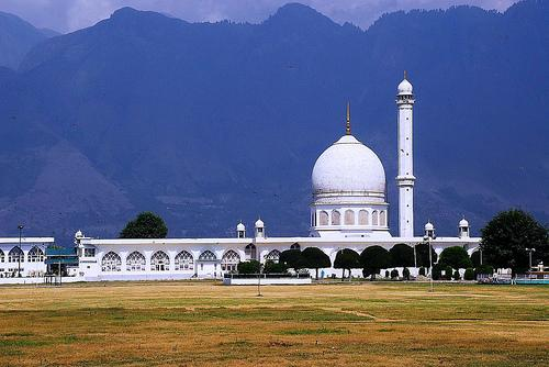 Hazratbal Mosque in Srinagar