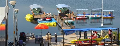 Riverside fun for families in Surat