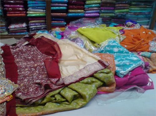 Saree shopping in Thiruvananthapuram