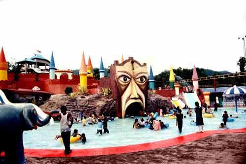 Dreamworld Water park in Thrissur