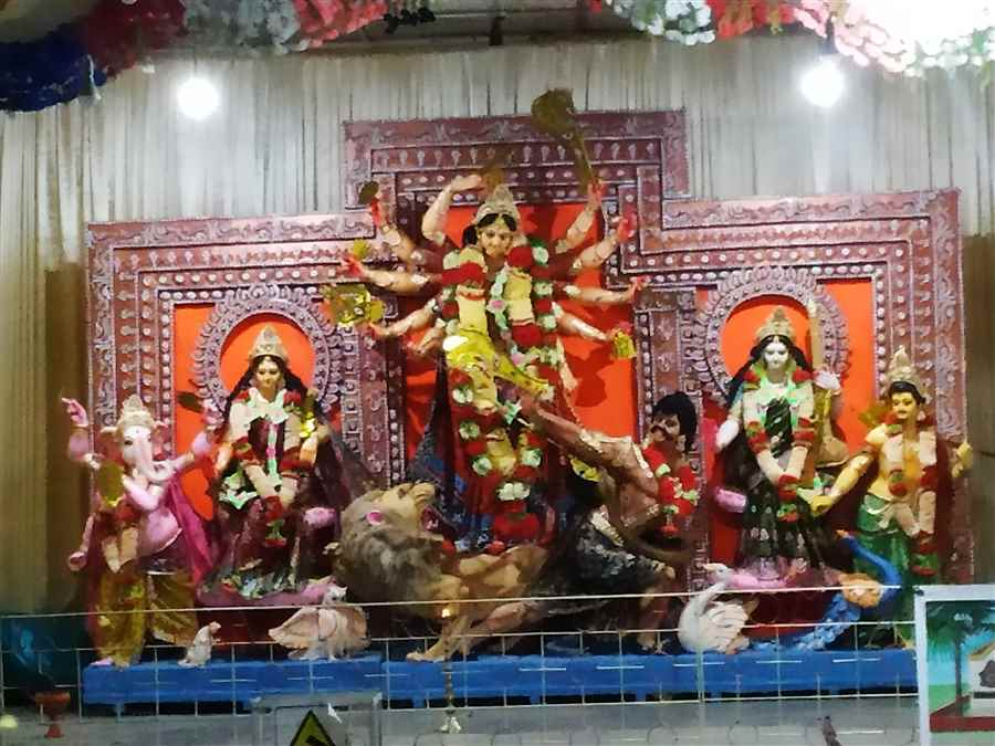 Durga Puja Committee in Sripuria
