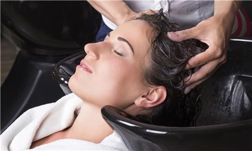 List of Beauty Parlours in Vadodara