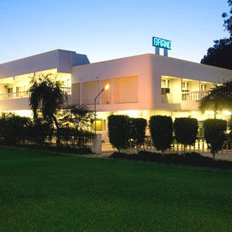 3 star hotels in Agra