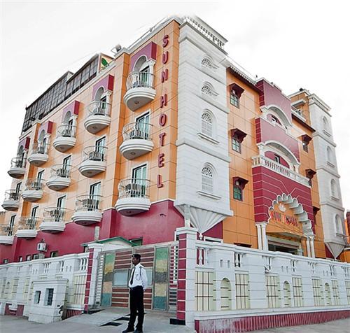 4 star hotels in Agra
