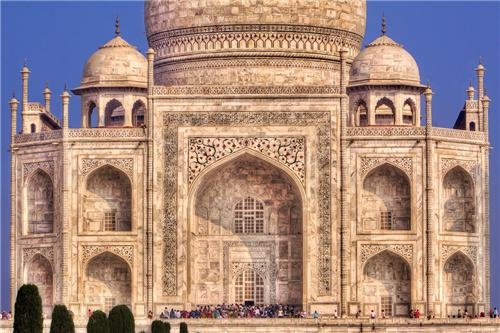 Architecture of Taj Mahal in Agra