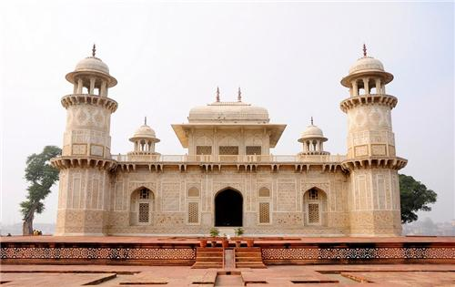 How to Reach Itimad-ud-Daulah Tomb in Agra