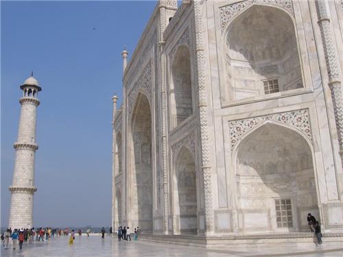 Inspirational History of Taj Mahal
