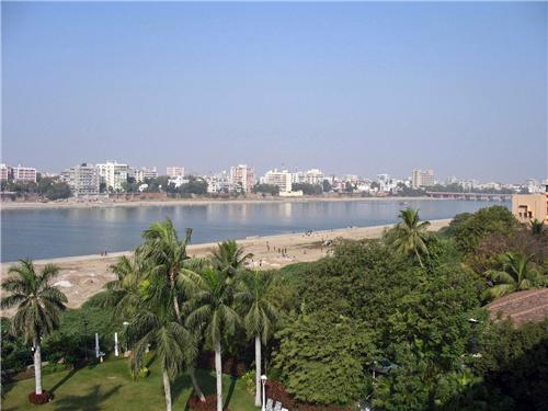 Sabarmati River - A beautiful sight in Ahmedabad