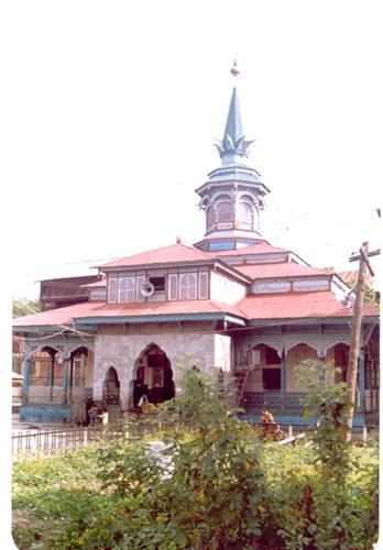 Known Dargahs in Anantnag