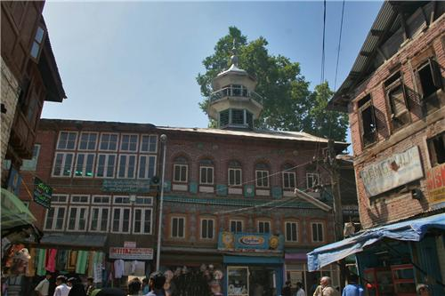 Mosques in Anantnag