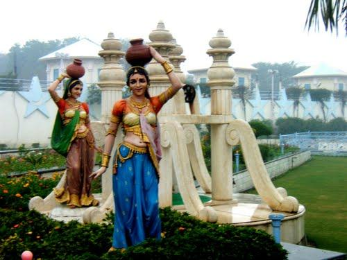 Popular Star Monument   in Bhiwani