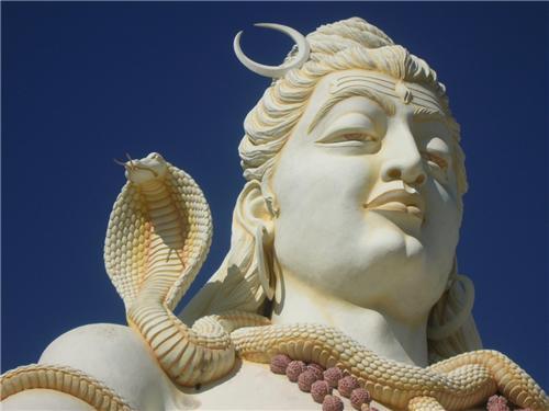 Lord-Shiva-Statue-in-Bijapur