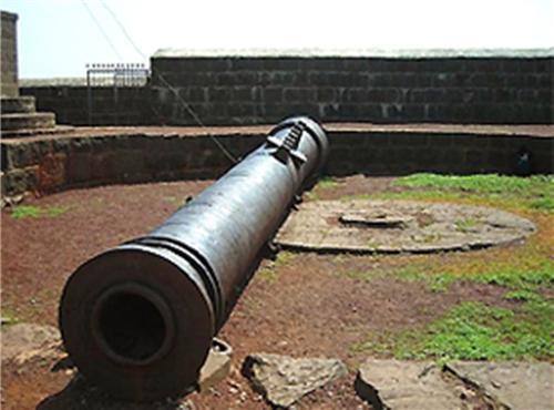 Landa Kasab Gun in Bijapur