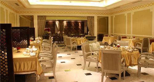 Vegetarian Restaurant in Chennai
