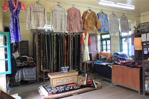 Shops Selling Woolen Clothing