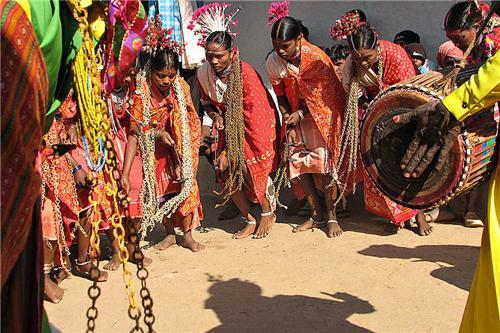 Folk dances in Guna