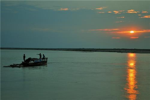 Brahamaputa river in Assam