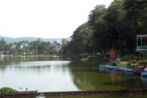 Dighalipukhuri lake Guwahati