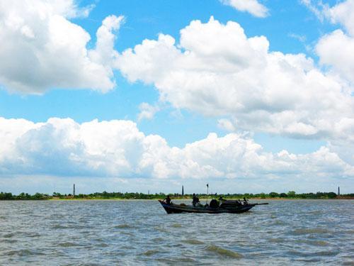 Haldi River (Source: www.midnapore.in)