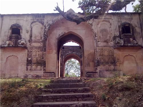 Ancient Fort at Sujanpur Tira