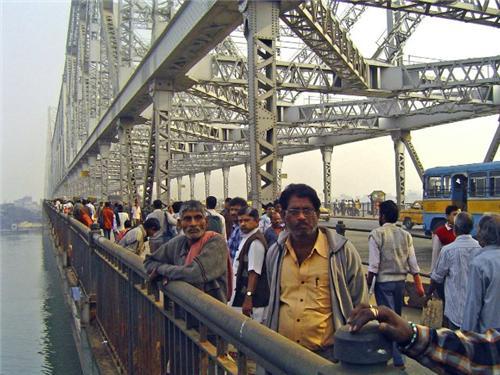 Howrah-Bridge-Traffic