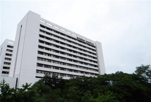 Bombay Hospital in Indore