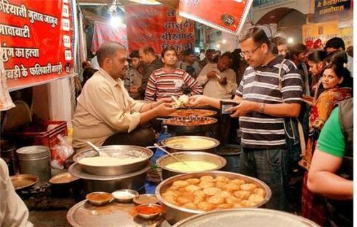 Sarafa Bazar in Indore