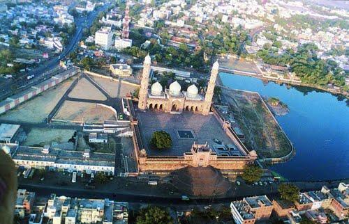 Taj ul Masjid in Bhopal