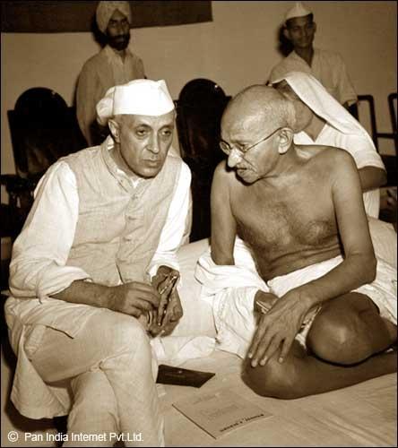 Jawaharlal Nehru in India freedom Movement with Gandhi