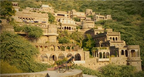 The Haunted Bhangarh Fort in Rajasthan