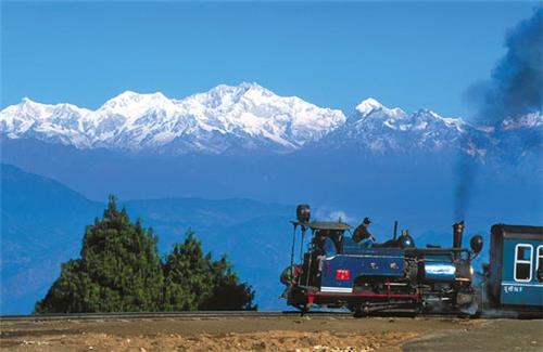 darjeeling one of the indian cities that retain their colonial charm