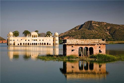 Famous lake in Jaipur