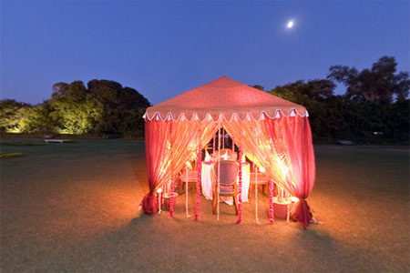 a famous restaurant for couples in Jaipur