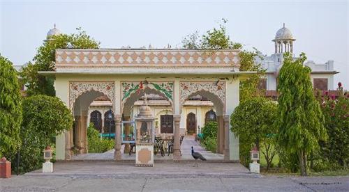 Lakshmi Villa Palace
