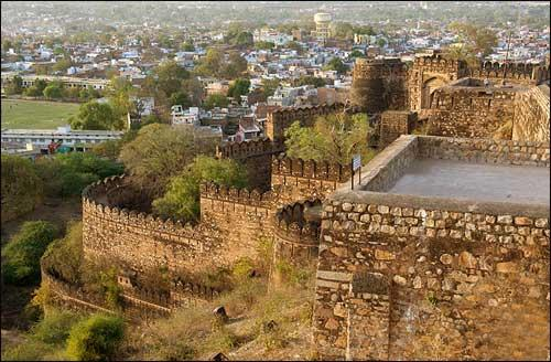 Jhansi Fort Architecture
