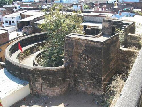 tourist places around Jhansi